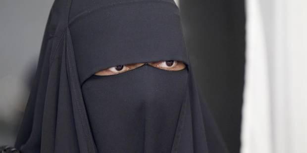 """Adolescente disparue à Uccle: """"Porter le jilbeb ou le niqab à 14 ans n'est pas anodin"""" - La DH"""