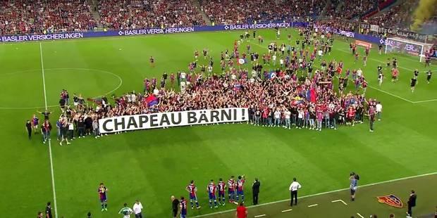 En plein match, les Ultras du FC Bâle envahissent le terrain pour célébrer leur président ! (VIDEO) - La DH