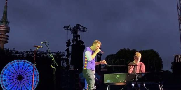 """""""Est-ce que je peux jouer pour vous?"""" : Coldplay exauce le voeu d'un fan et c'est magnifique ! - La DH"""
