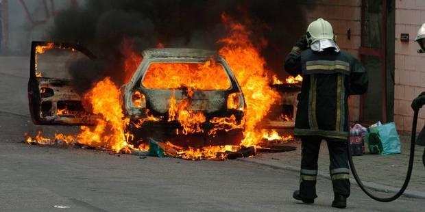 Hannut : une voiture prend feu pendant la nuit - La DH