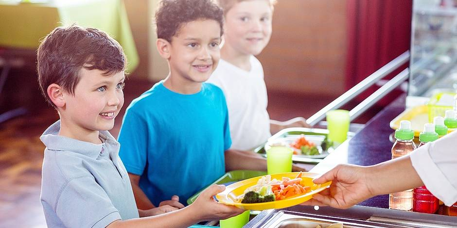 Menace sur les fruits et légumes bio à l'école