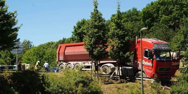 Deux blessés dans un accident spectaculaire à Villers-le-Bouillet - La DH
