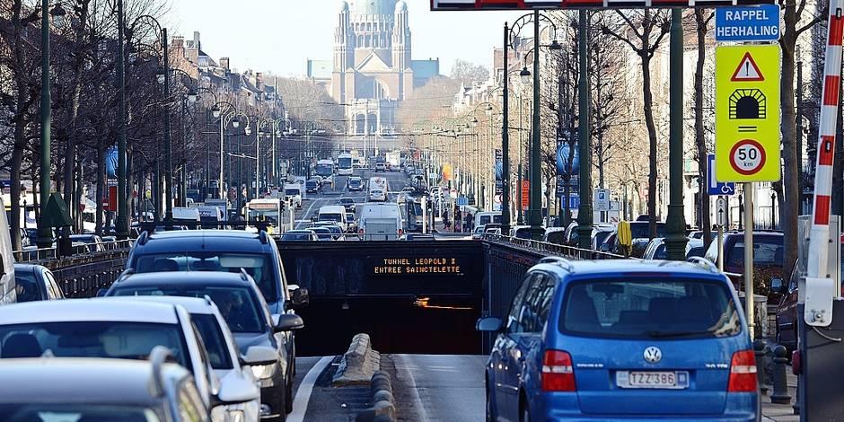 Tunnel Léopold Yser signalisation embouteillage auto voiture navetteur circulation travaux voiture auto trafic