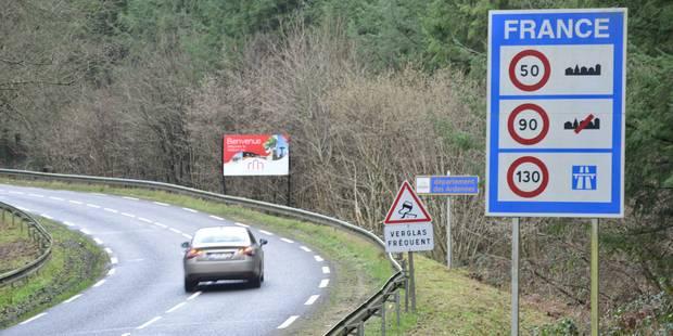 Attention, à l'étranger, les règles ne sont pas les mêmes qu'en Belgique! Ce que vous devez savoir sur la route des vaca...