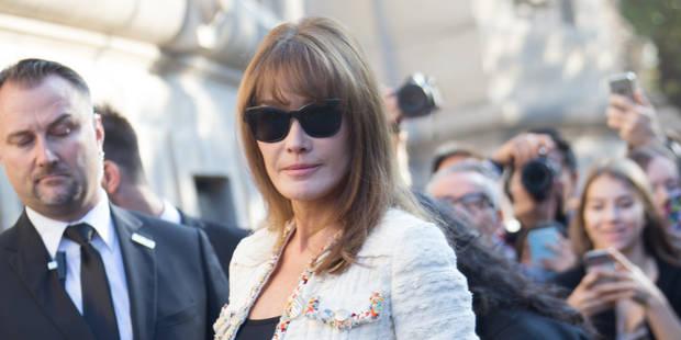 Carla Bruni : pourquoi ses clichés dénudés sont selon elle différents de ceux de Melania Trump - La DH