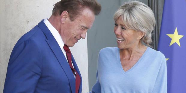 """""""Terminator"""" sous le charme de Brigitte Macron qui l'accueille en jean - La DH"""