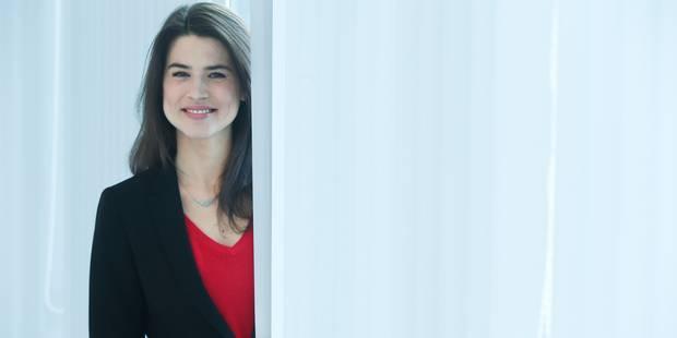 Julie Denayer est le nouveau visage du RTL Info - La DH