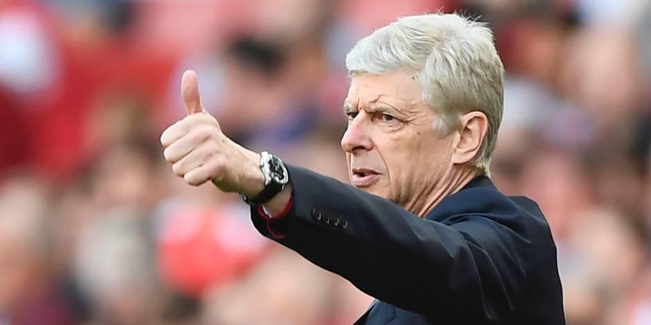 """Le directeur d'Arsenal """"supplie"""" les fans de soutenir Wenger et les """"Gunners"""""""