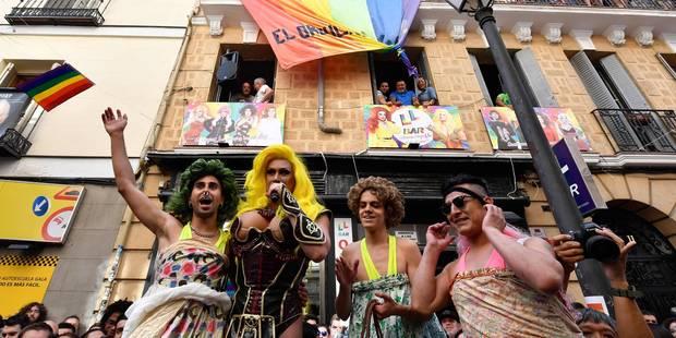 A Madrid, une marche mondiale LGBT très festive et surveillée - La DH