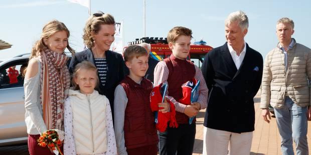 La famille royale à la mer : exercice de sauvetage et visite du Mercator - La DH