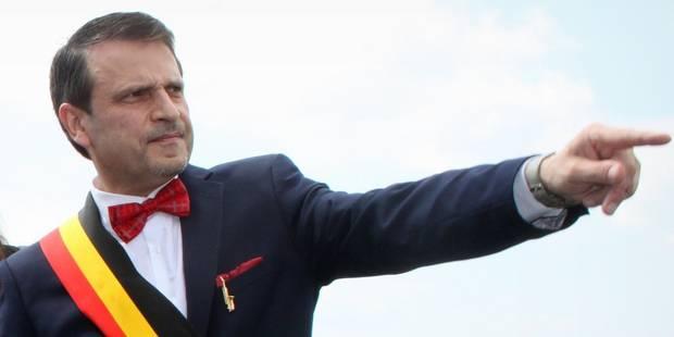 """Dinant: Fournaux accusé de ne pas avoir """"respecté sa parole"""" par certains commerçants - La DH"""