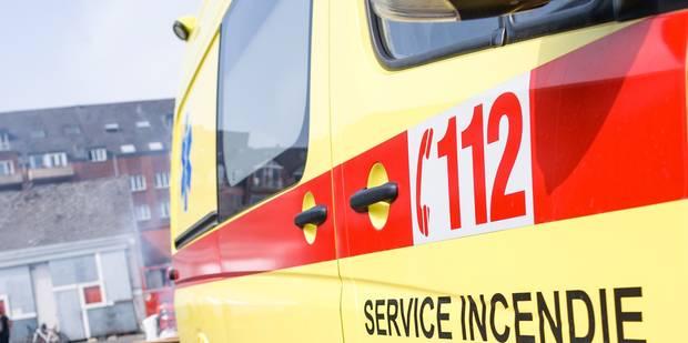 Incendie dans un hangar à Moustier: deux voitures détruites - La DH