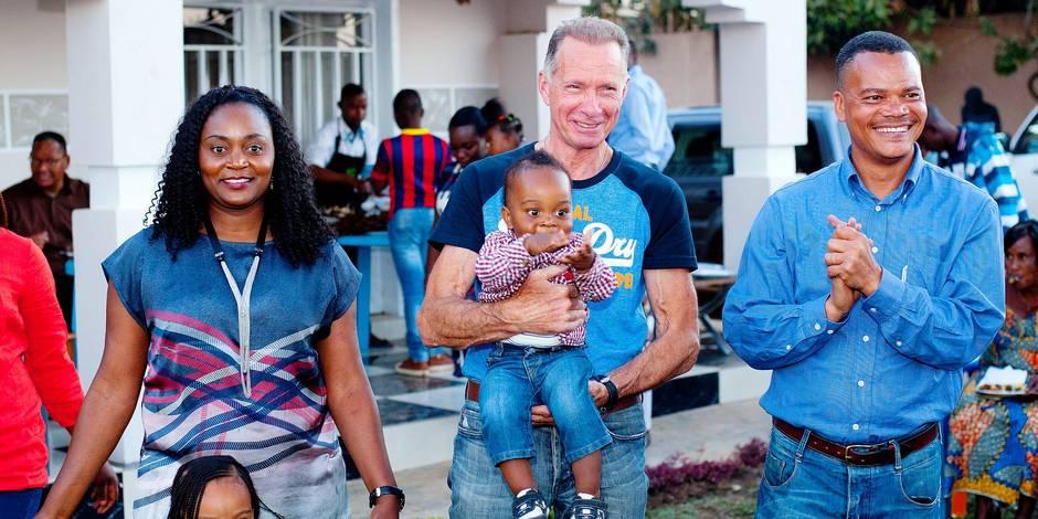 Un Belge retrouve à Lubumbashi le fils qu'il a eu en 1974 (TEMOIGNAGE) - La DH