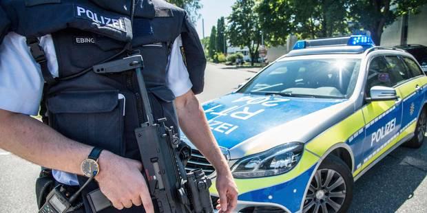 """Allemagne: un jeune homme """"armé"""" s'introduit dans une école, la police le recherche - La DH"""