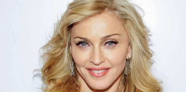 """Brosse à cheveux, culottes portées, lettre de Tupac: Madonna enrage contre une vente aux enchères et accuse une """"amie"""" -..."""