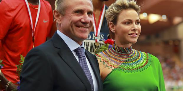 La princesse Charlene, sculpturale dans une longue robe au meeting de Monaco - La DH