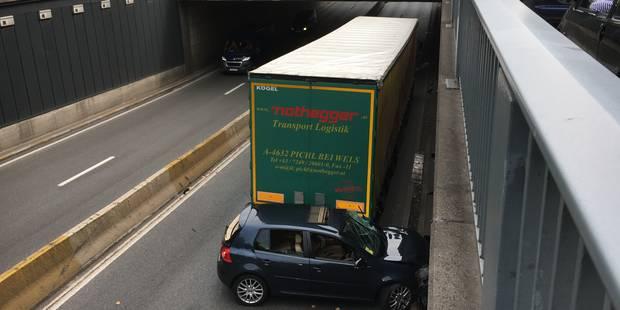 Accident dans le tunnel Art-Loi: embouteillages sur la Petite ceinture - La DH