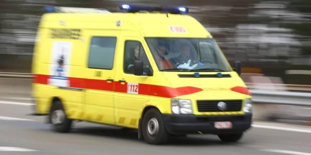 Flémalle : accident et voiture sur le toit - La DH