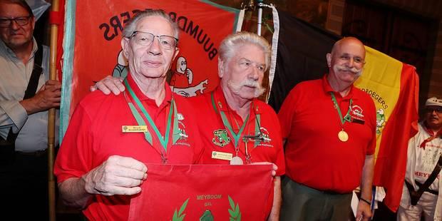 Bruxelles: les fidèles du Meyboom récompensés (PHOTOS) - La DH