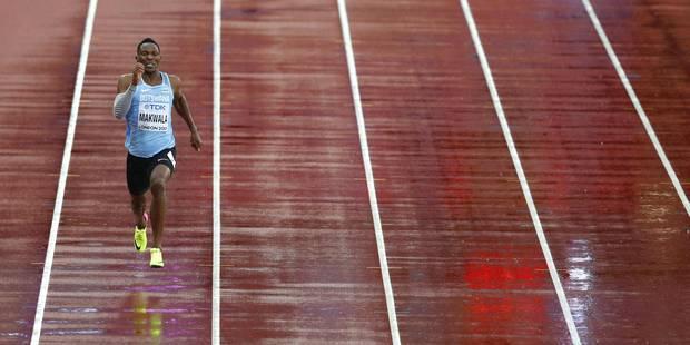 Image insolite: Isaac Makwala court seul sa série du 200 mètres et passe en demi-finale (VIDEO) - La DH
