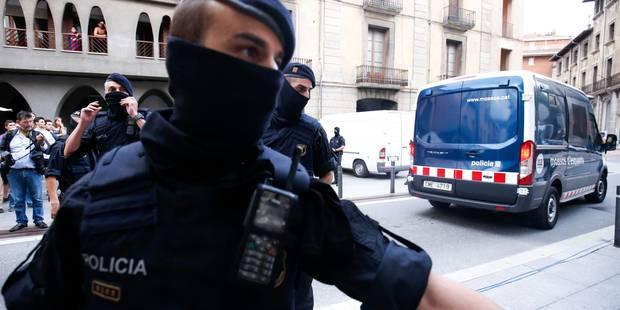 Attentats en Espagne: les corps de trois auteurs présumés identifiés, une douzaine de personnes pourraient être impliqué...