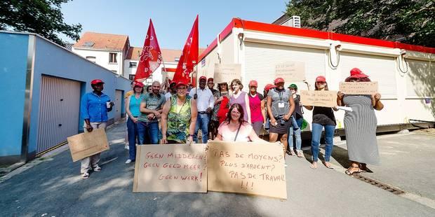 Jette: les travailleurs du CPAS obligés de travailler dans des containers - La DH