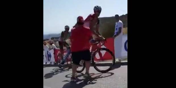 Maxim Belkov agressé par un spectateur en pleine montée à la Vuelta (VIDEO) - La DH
