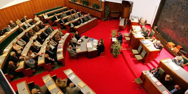 La diminution du Fonds des provinces pourrait priver le Hainaut de 3,5 millions d'euros - La DH