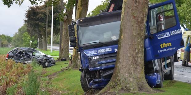 Pipaix: Un impressionnant accident impliquant un camion - La DH