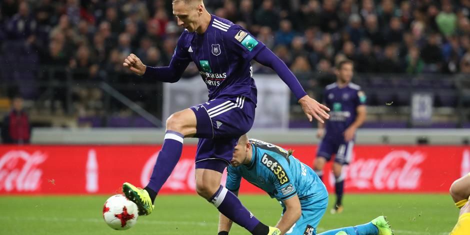 """Davino Verhulst après la défaite à Anderlecht: """"Sept matches que ce Teodorczyk n'en touche pas une..."""""""