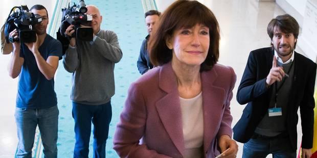 Le monde politique commente, parfois avec cynisme, le départ de Laurette Onkelinx - La DH
