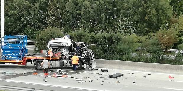 Un véhicule percute un véhicule tampon sur la E40 à hauteur de Berloz: un blessé - La DH