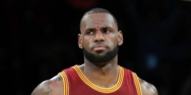 """LeBron James s'en prend à Donald Trump: """"Espèce de clochard, aller à la Maison Blanche était un honneur jusqu'à ce que v..."""
