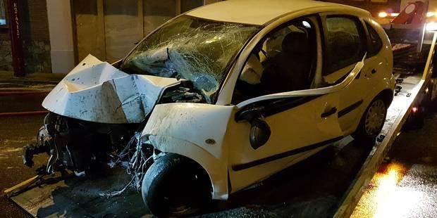 Gilly: un conducteur éjecté de son véhicule après une collision avec un poteau - La DH