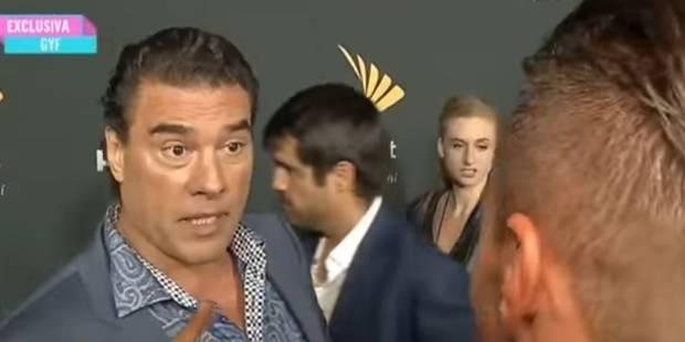 Un acteur mexicain gifle (très) violemment un journaliste - La DH
