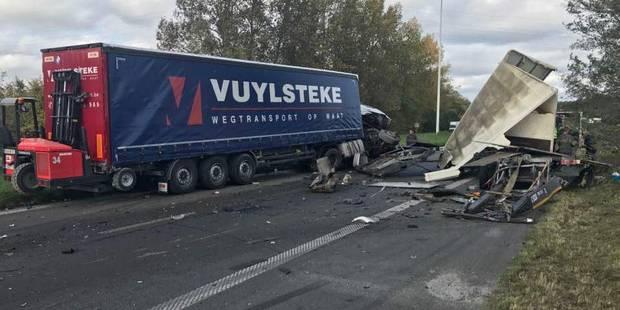 L'autoroute A17/E403 fermée dans le sens Tournai-Mouscron après un accident - La DH