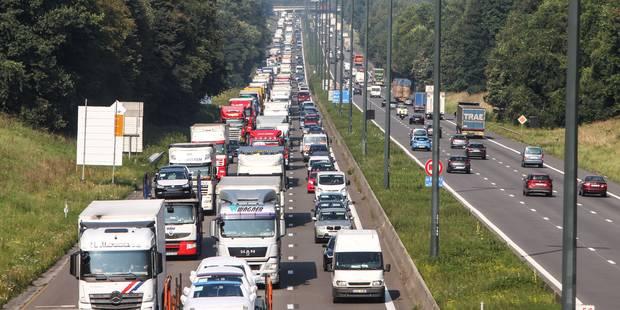 Accident mortel sur l'E19 à hauteur de Maisières: importants embarras de circulation en direction de la France - La DH