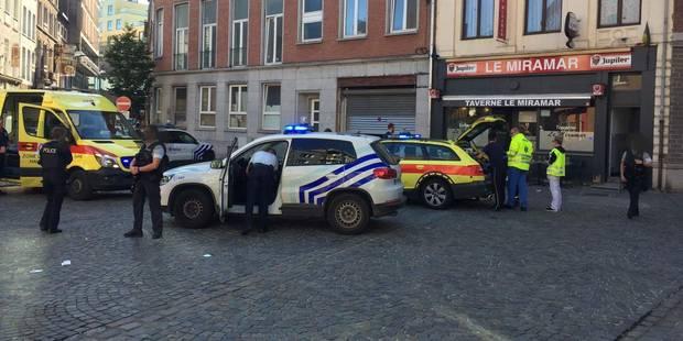 Un homme poignardé à la gorge à Charleroi - La DH