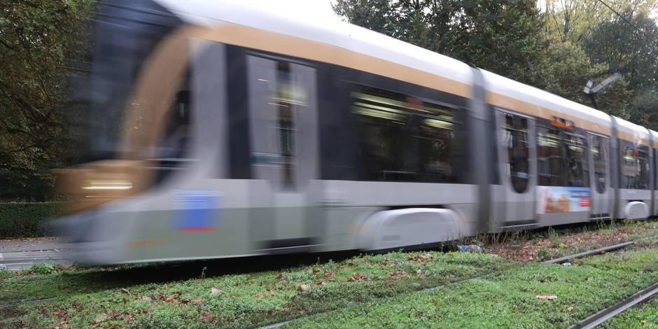 Un conducteur de tram privé de permis toujours actif à la Stib