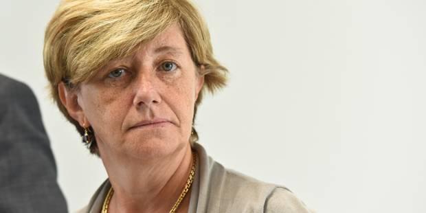 """Sophie Dutordoir a présenté ses priorités pour la SNCB, et """"assume les millions perdus"""" avec le système de billetterie r..."""