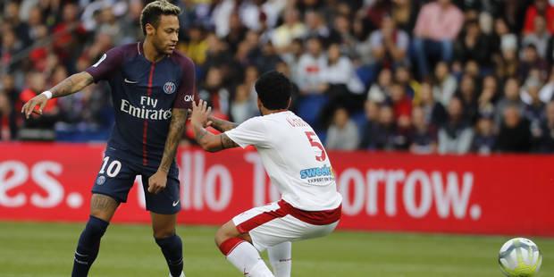 Neymar passe dans la zone mixte mais ne s'arrête que pour la presse brésilienne (VIDEO) - La DH