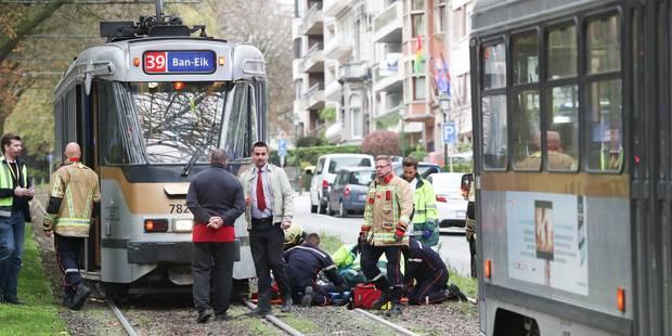 Une femme heurtée par un tram de la Stib à Woluwe-Saint-Pierre - La DH