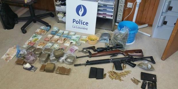Six personnes arrêtées, 65.000 euros saisis ainsi que du cannabis et des armes à l'issue de 20 perquisitions à La Louviè...