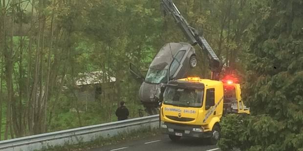 Un accident spectaculaire mais sans dégât pour le conducteur - La DH