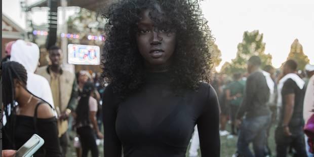 Photographiée par hasard, cette jeune femme pourrait devenir mannequin grâce aux réseaux sociaux - La DH