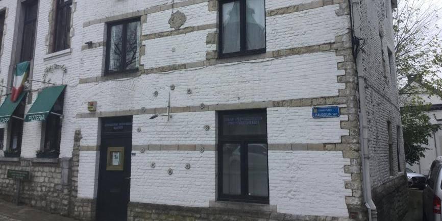 Des étoiles puis des trous dans un bâtiment classé à Braine-l'Alleud