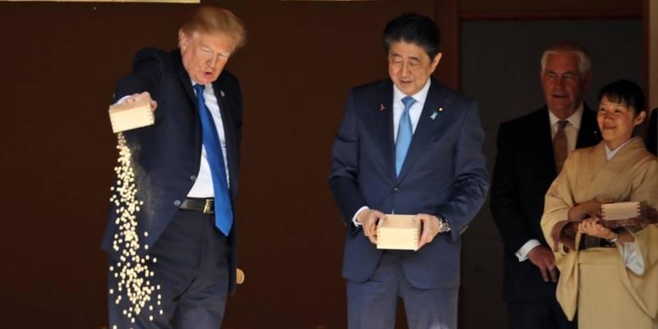 Quand Trump fait parler de lui au Japon pour sa manière de nourrir les carpes