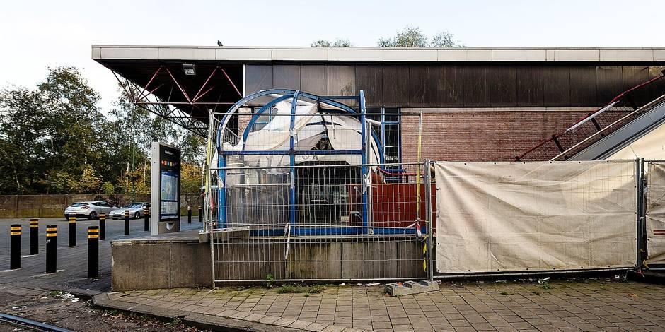 Bruxelles - Molenbeek: La station Beekkant est en travaux depuis de longs mois