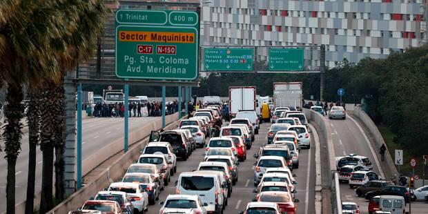 Crise en Catalogne : grève, routes et trains bloqués à l'appel d'indépendantistes catalans - La DH