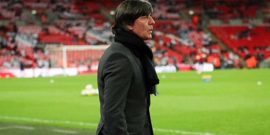 Allemagne: Löw met ses joueurs sur le grill bleu